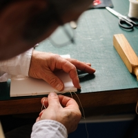 sewing-with-linen-thread